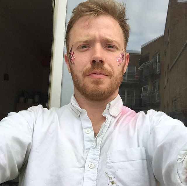 Festival Wedding weekend done, exceptional fun, fantastic people who made me feel very welcome and a great couple. I cannot wait to do the pictures! Im covered in paint and glitter and this shirt may never recover but it will be worth it for the photos we got  #festival #festivalwedding #wedding #weddingphotography #paintfight #glitter #sleepy #timeforabath