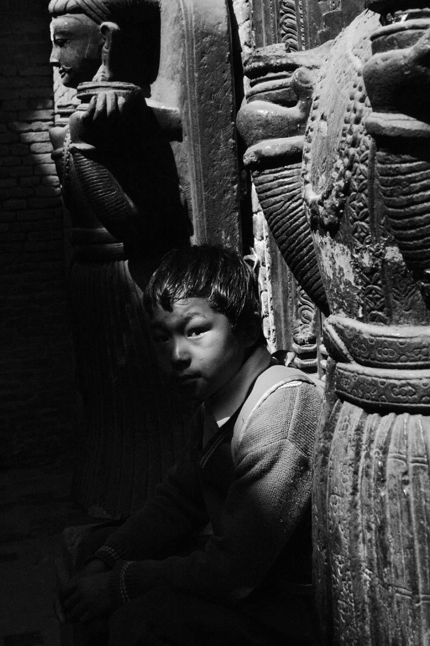 nepali_beggar_kid.jpg