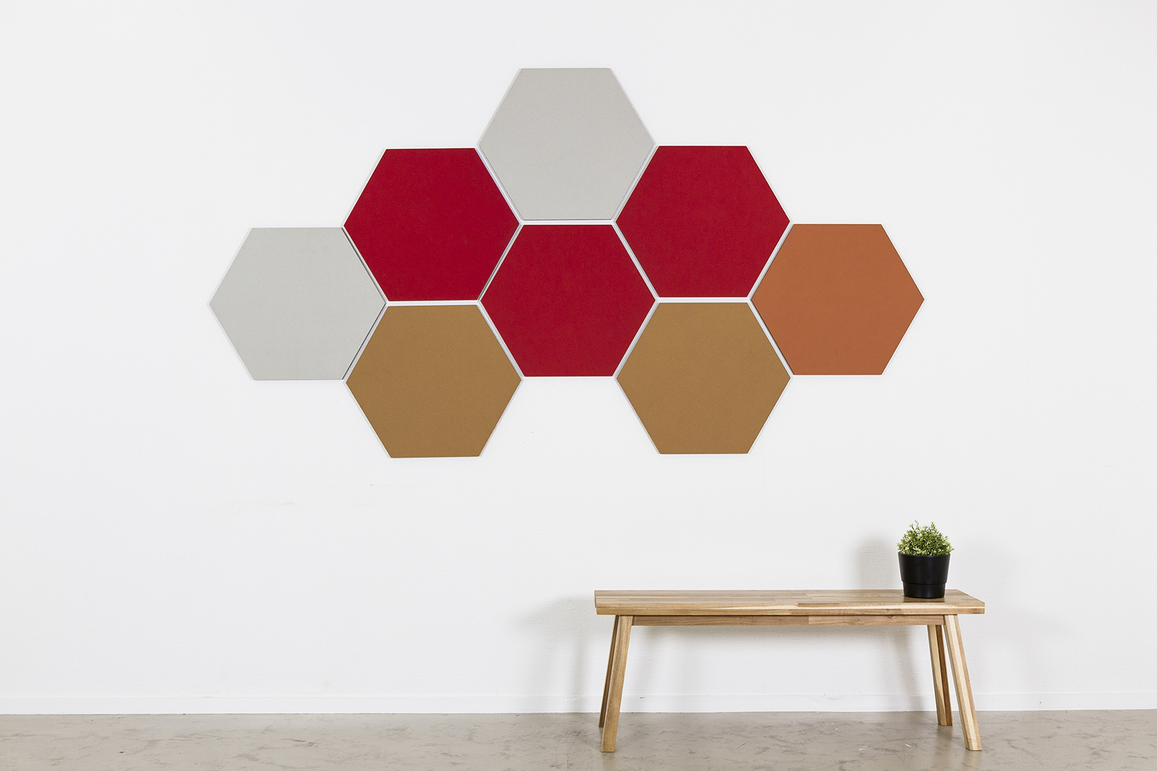 Chameleon Pinning - Shapes - These round pin boards combine functionality and design. Match several boards together into a personal constellation. Chameleon Pinning Shapes are made of all natural materials.