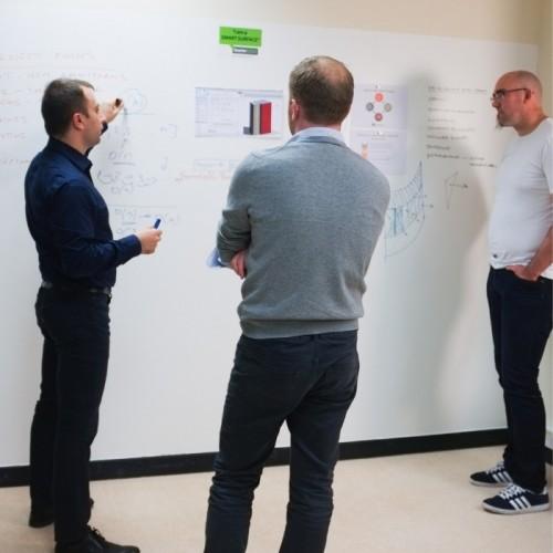 magnetic-wallpaper-for-brainstorming.jpg