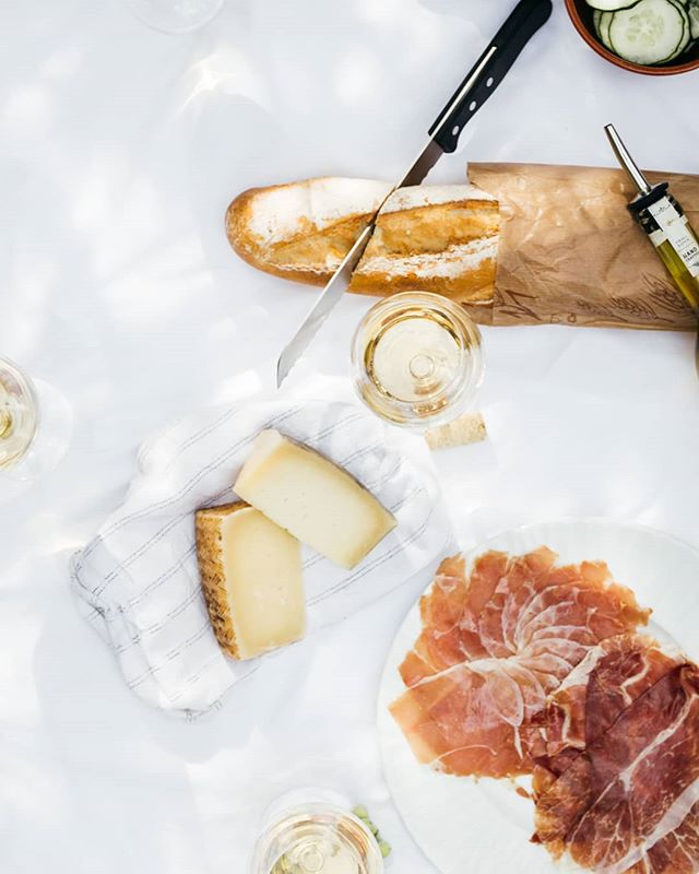 We believe in good food, good wine & as local as possible when it comes to our LUXX HAMPERS. Website up live on Friday 18th January. . . . . . #hamper #byronbay #local #luxury #byron #food #buylocal #gourmet #cheese #bread
