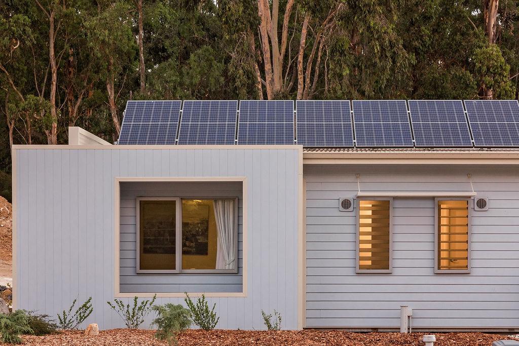 5-rooms-retreat-margaret-river-eco-lodge-solar.jpg
