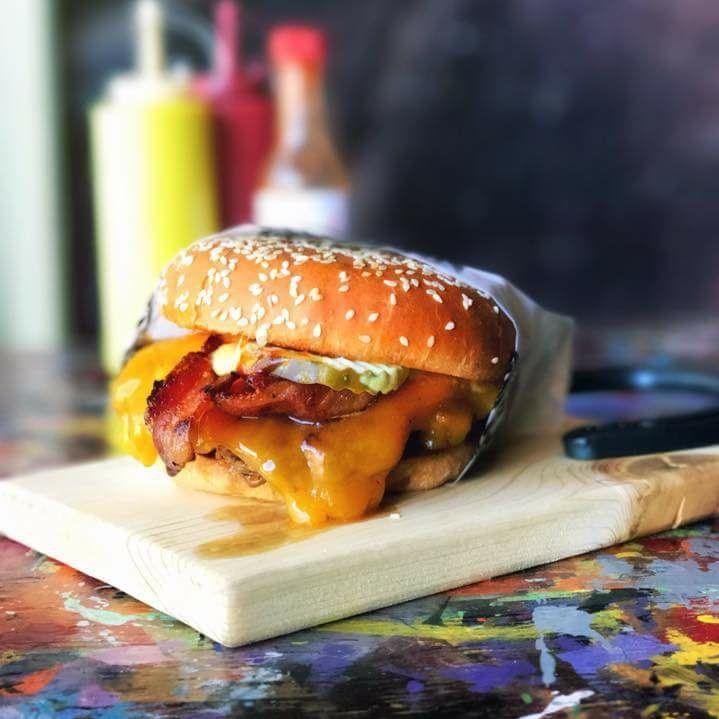 Dellepiane burger.jpg