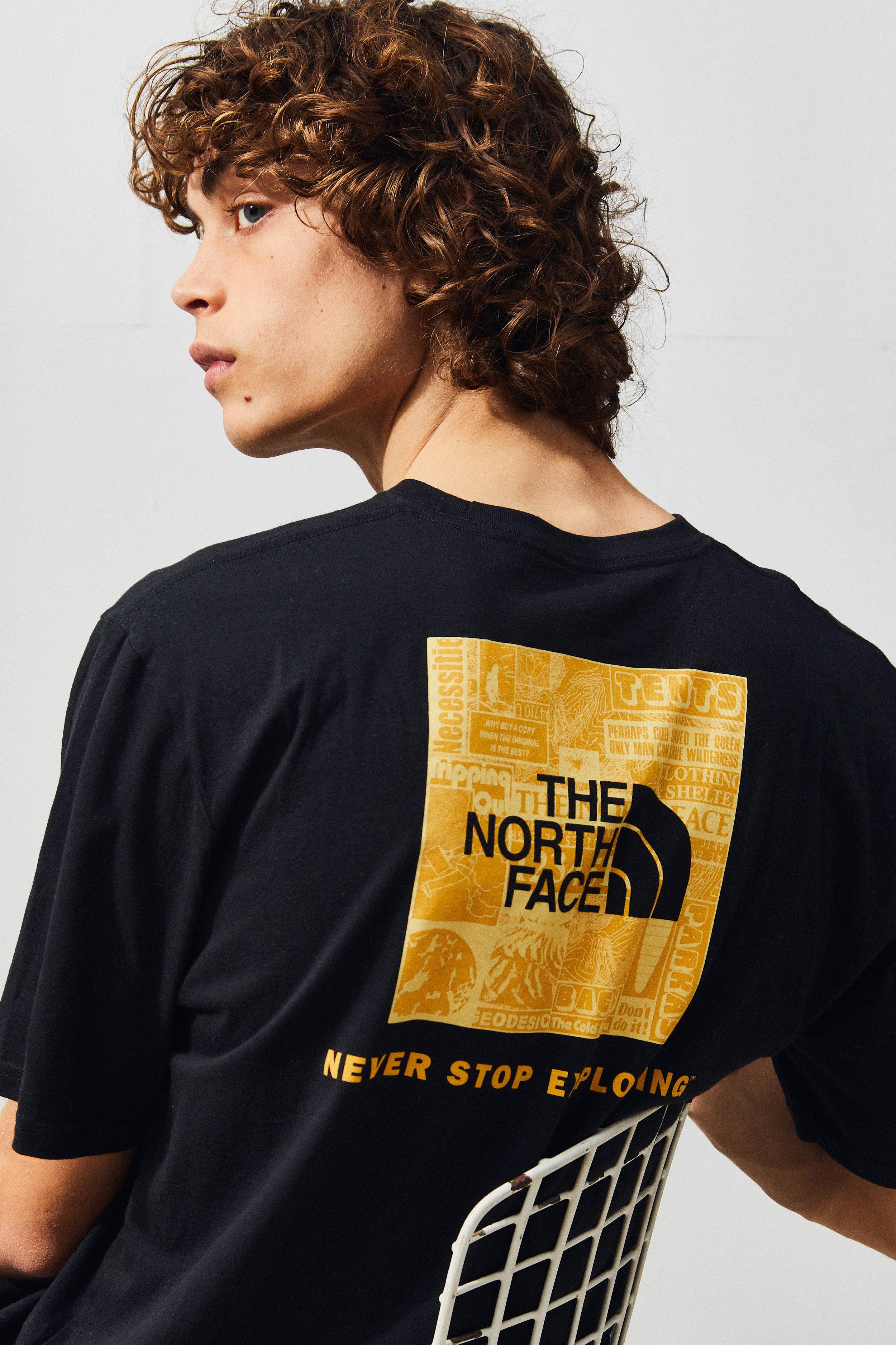 BLACK NORTH FACE TEE_0131_001-4.jpg