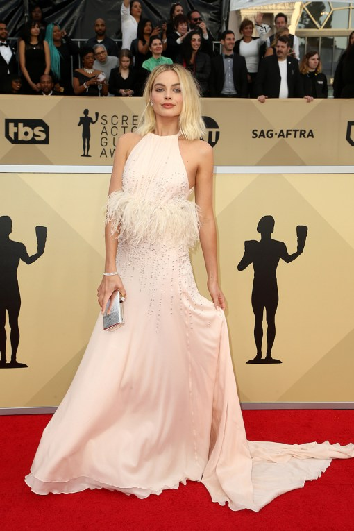 MARGOT-ROBBIE-CELESTE-SCREEN-ACTORS-GUILD-AWARDS-2018.jpg