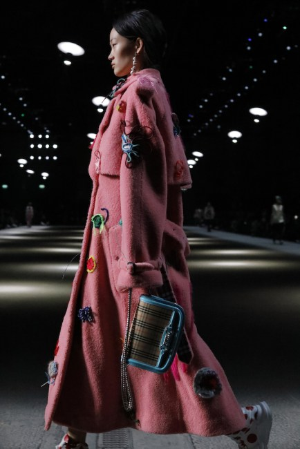 Burberry-February-Collection-2018_004.jpg