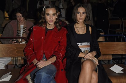Alexa-Chung-and-Iris-Law-wearing-Burberry-and-the-Burberry-February-2018-show-1.jpg