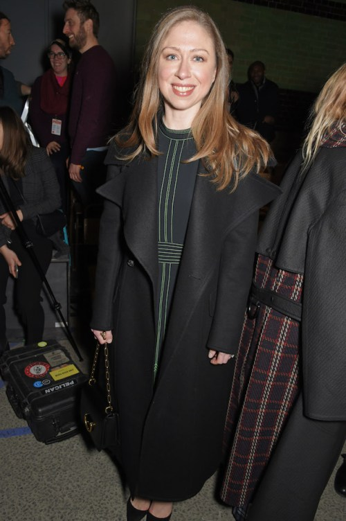 Chelsea-Clinton-at-the-Burberry-February-2018-show_001.jpg