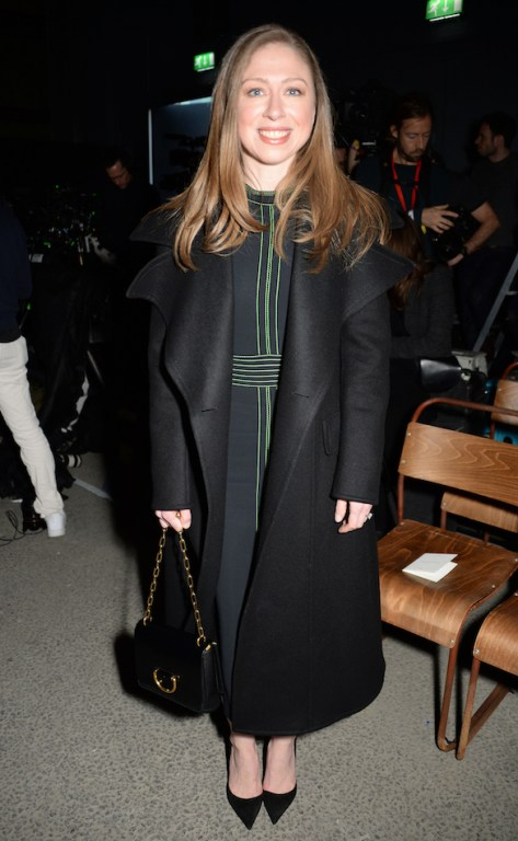 Chelsea-Clinton-at-the-Burberry-February-2018-show_002.jpg