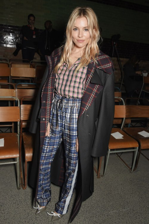 Sienna-Miller-at-the-Burberry-February-2018-show.jpg