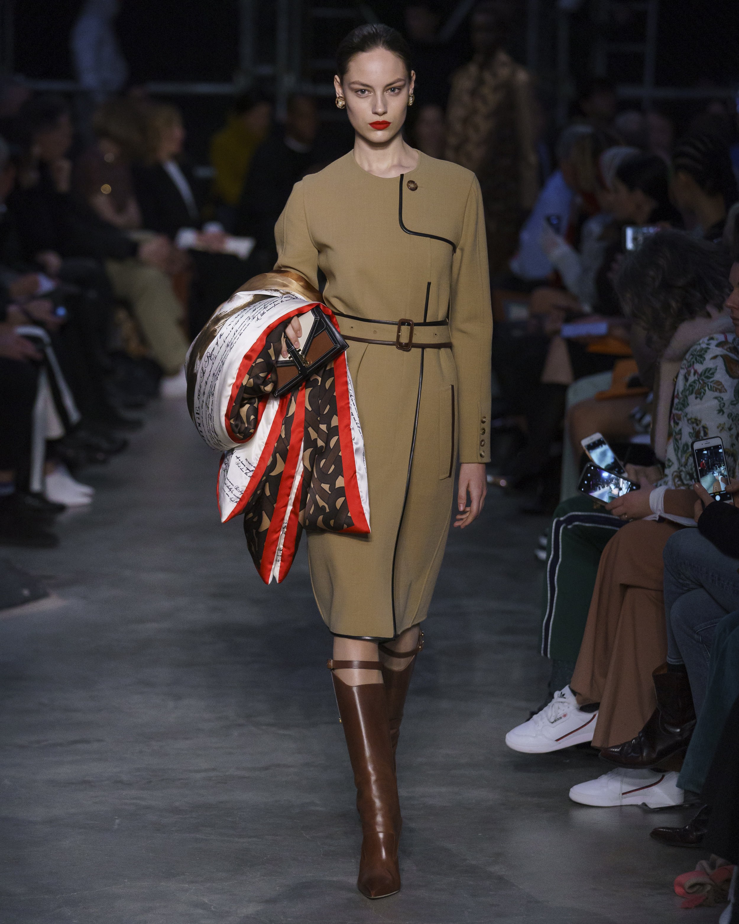 Burberry Autumn_Winter 2019 Collection - Look 56.jpg