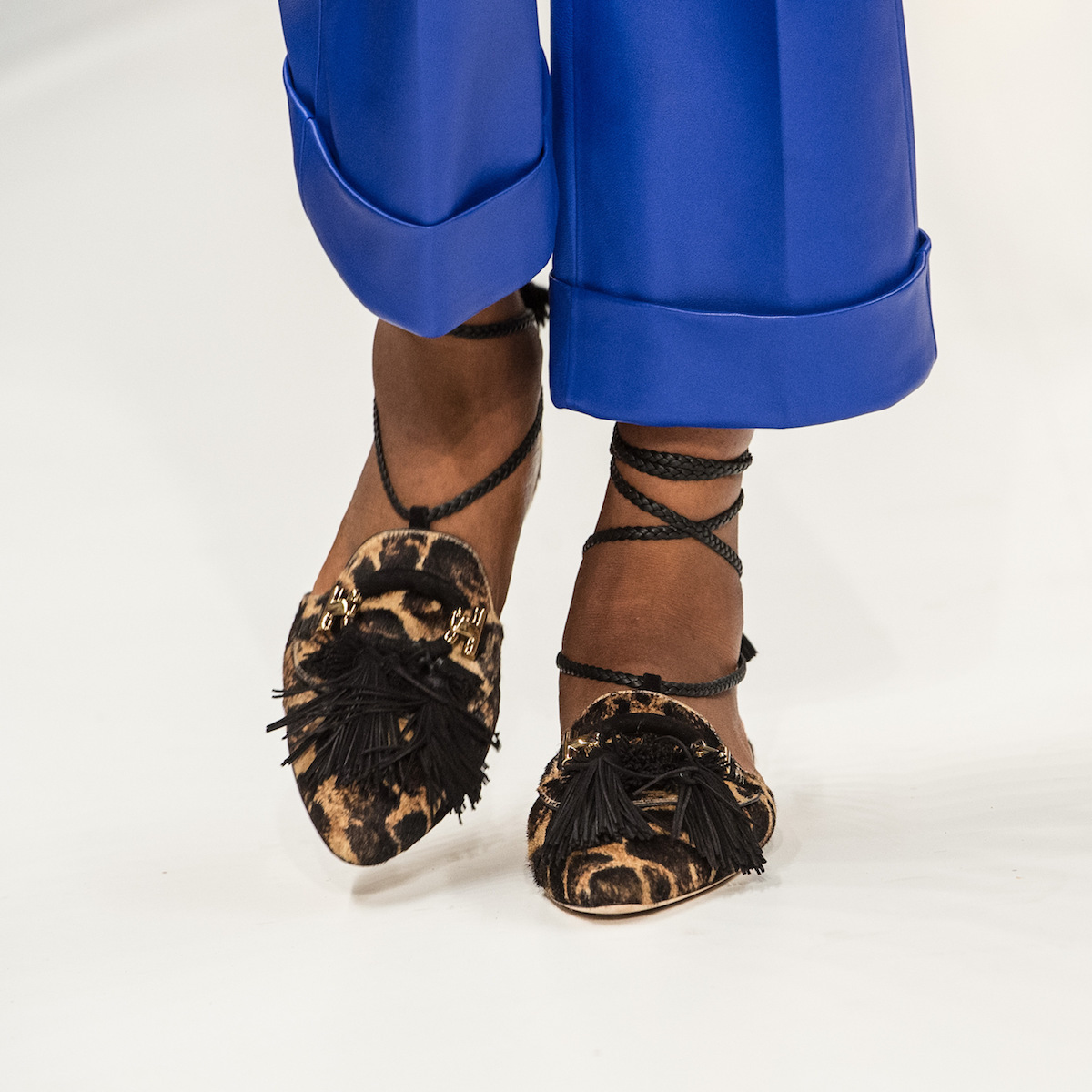 close-up-shoes-12.jpg