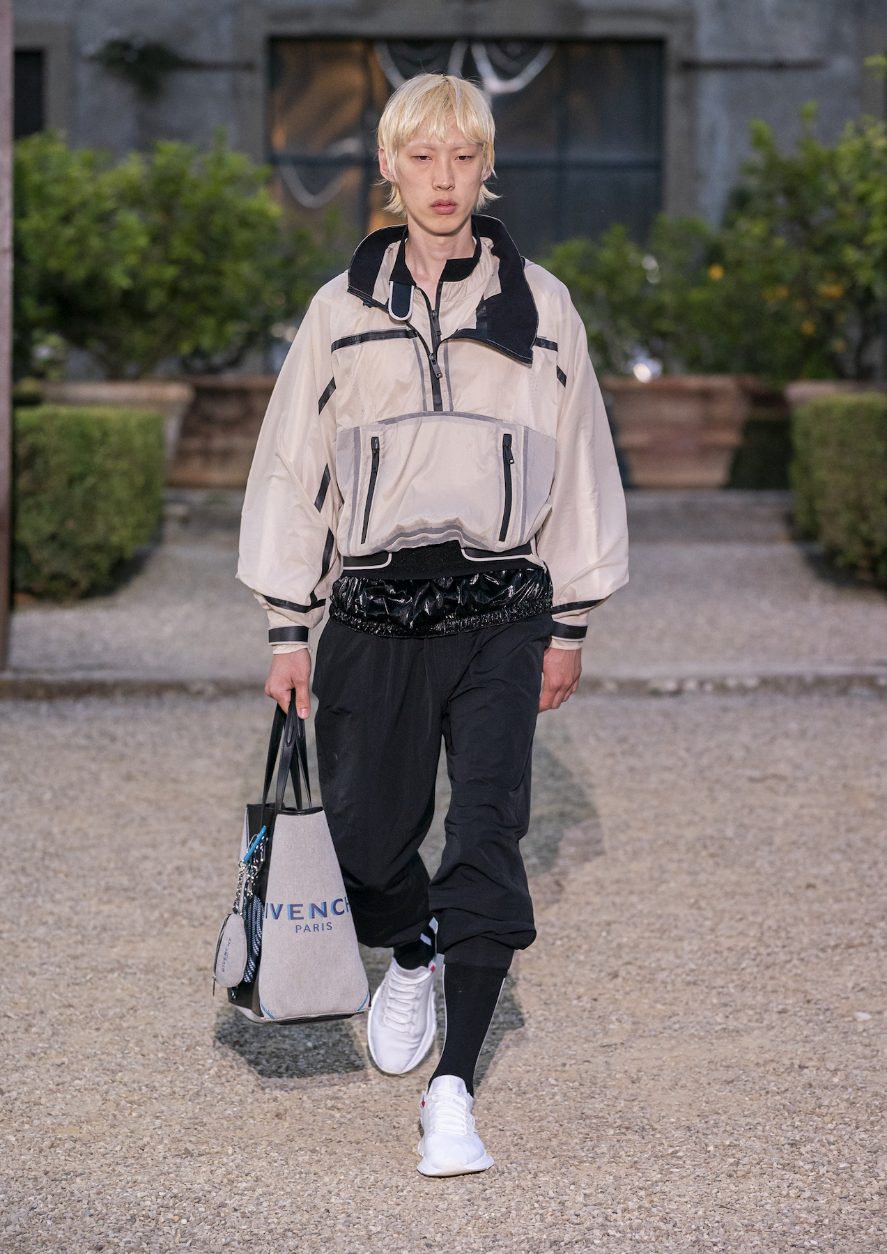 Givench Men_s Spring Summer 2020 (Look 33).jpg
