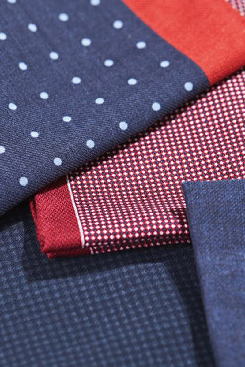 POCKET SQUARES A silk or cotton pocket square in a vibrant colour or pattern adds a touch of flair to your look in an instant. Explore impeccably crafted BOSS menswear selection.