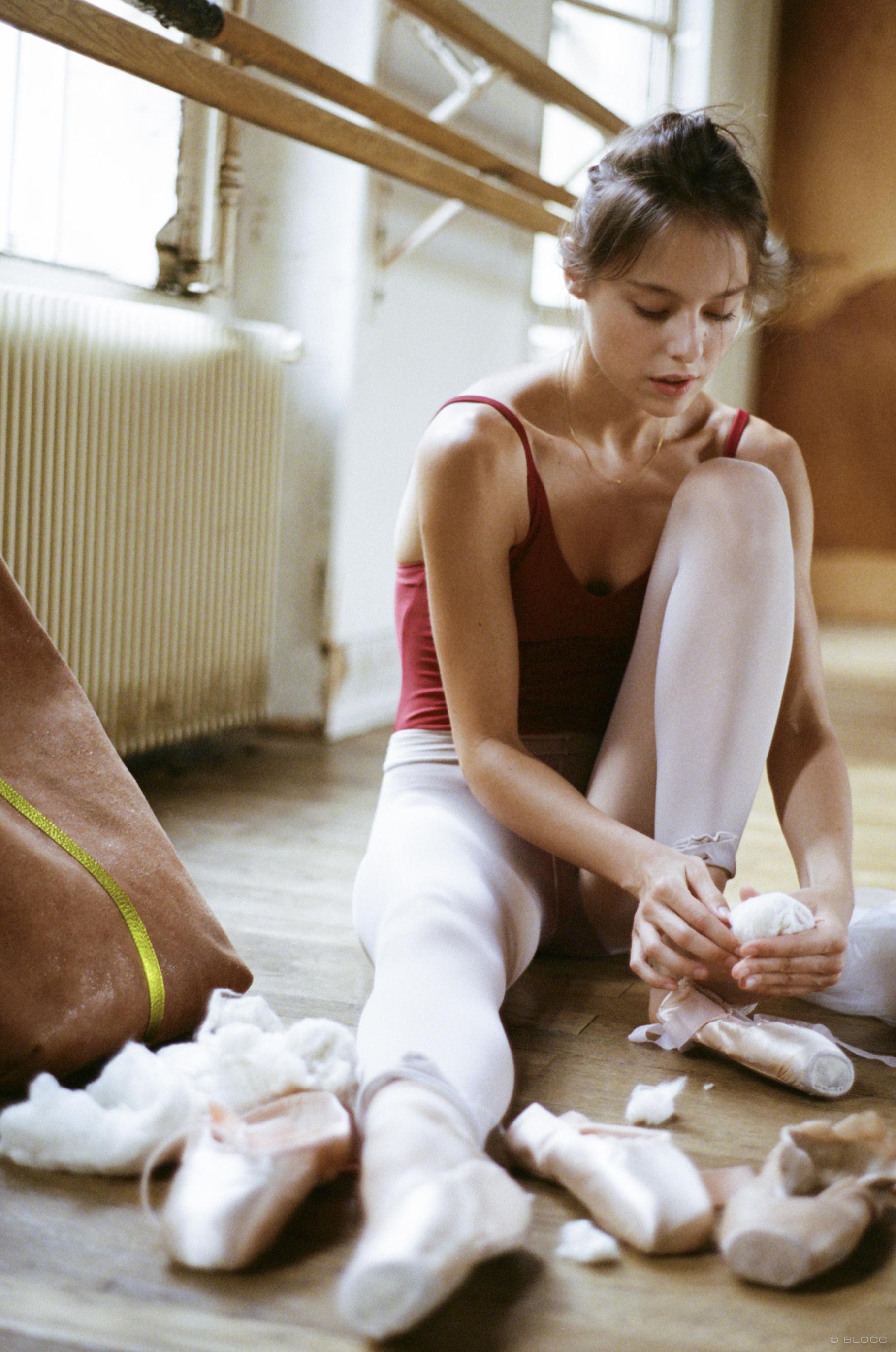 SAINTE ISAURE AW1819 préparation de la danseuse copie.jpg
