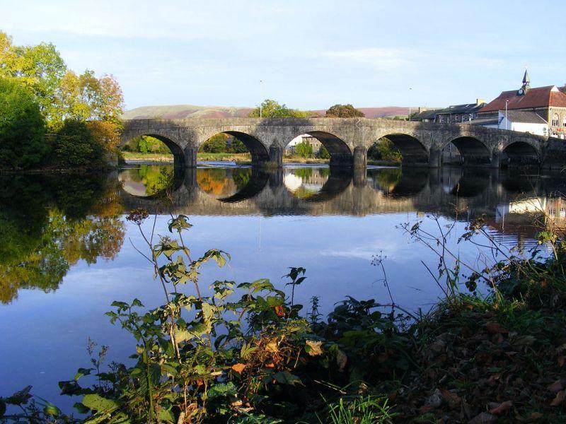 The bridge across the Wye in Builth Wells