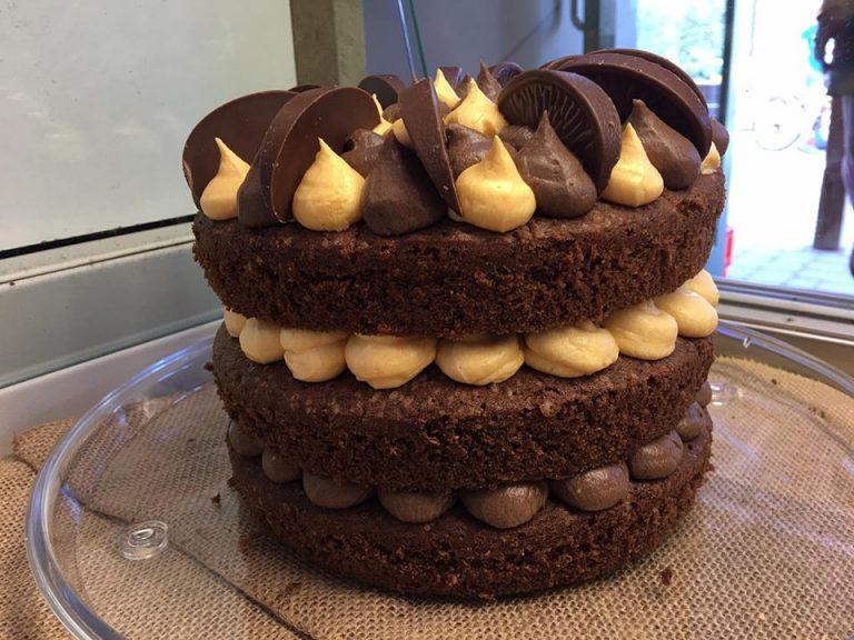 Tripple-layer-chocolate-cake-768x576.jpg