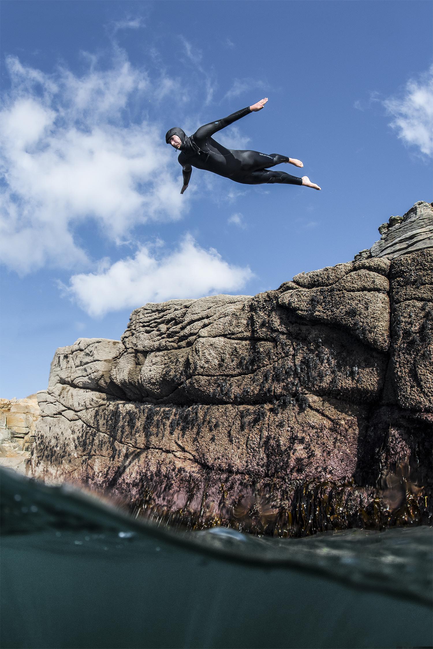 Alistair Cranstone - Cliffjump1_small.jpg