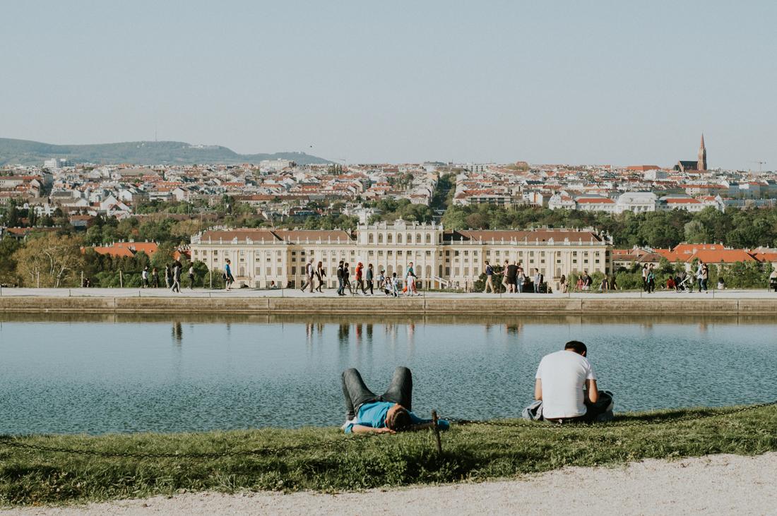 schonbrunn-palace-vienna.jpg