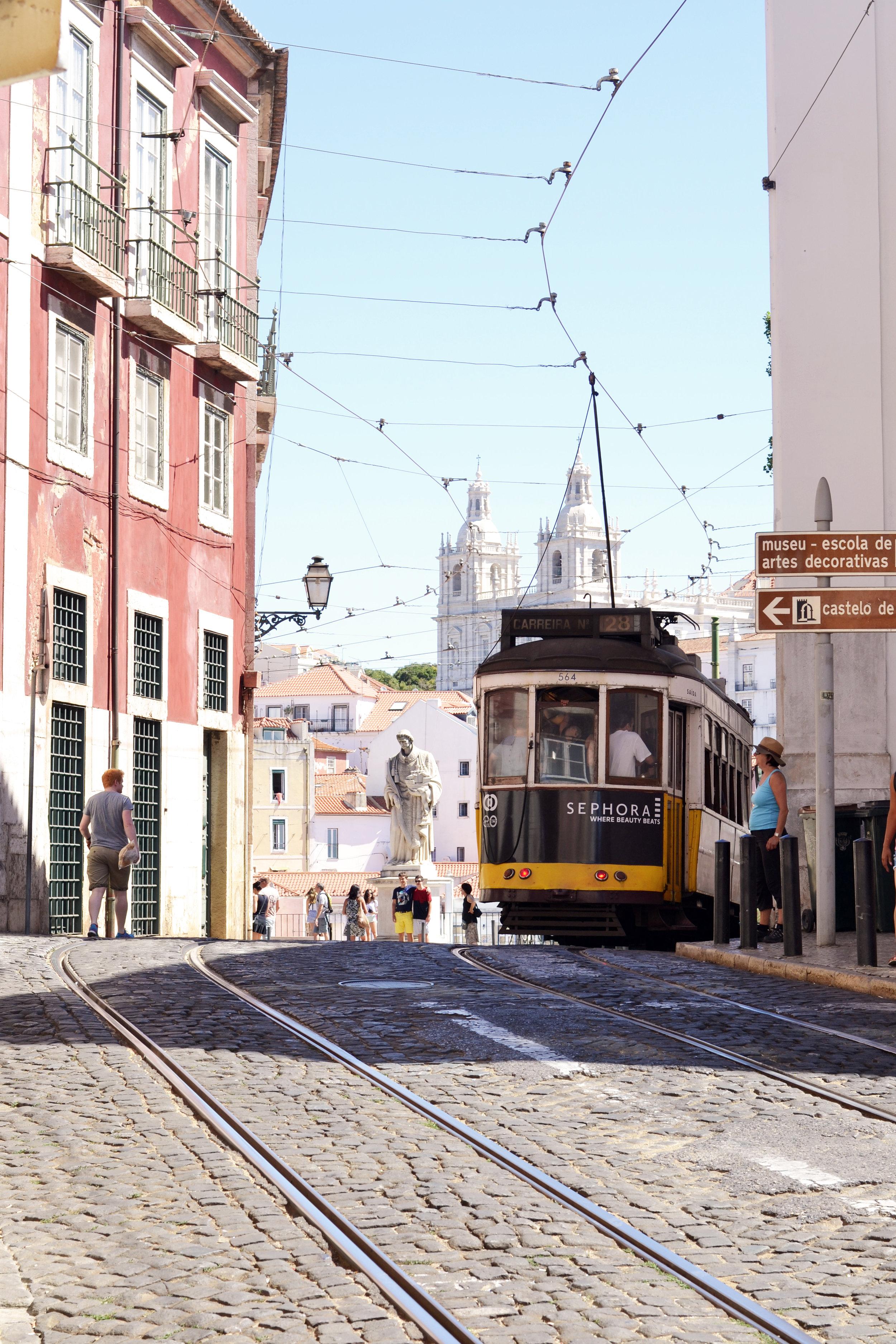 Lissabon - Tram.jpg