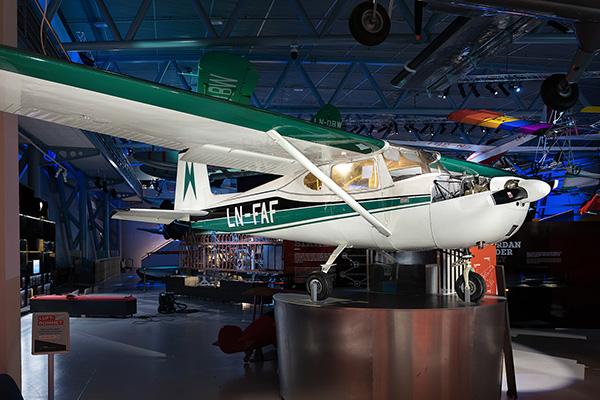 Cessna 150 -