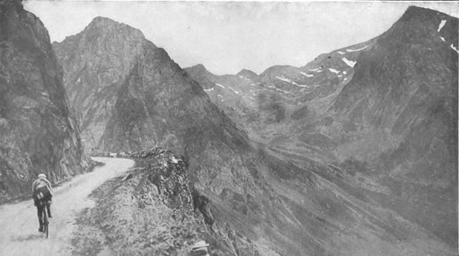 1920-Christophe-Eugene-sui-.jpg