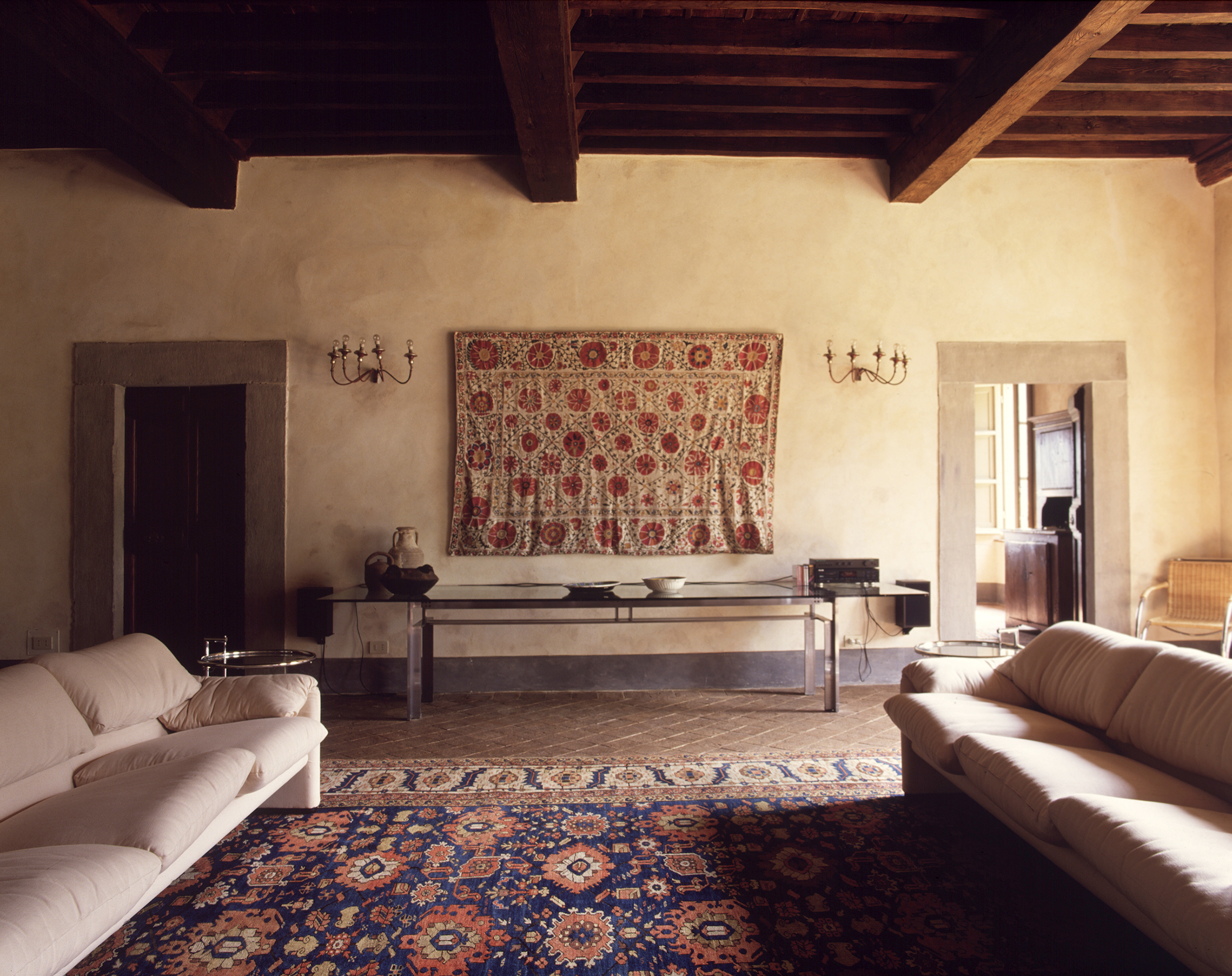 villa sitting room.jpg