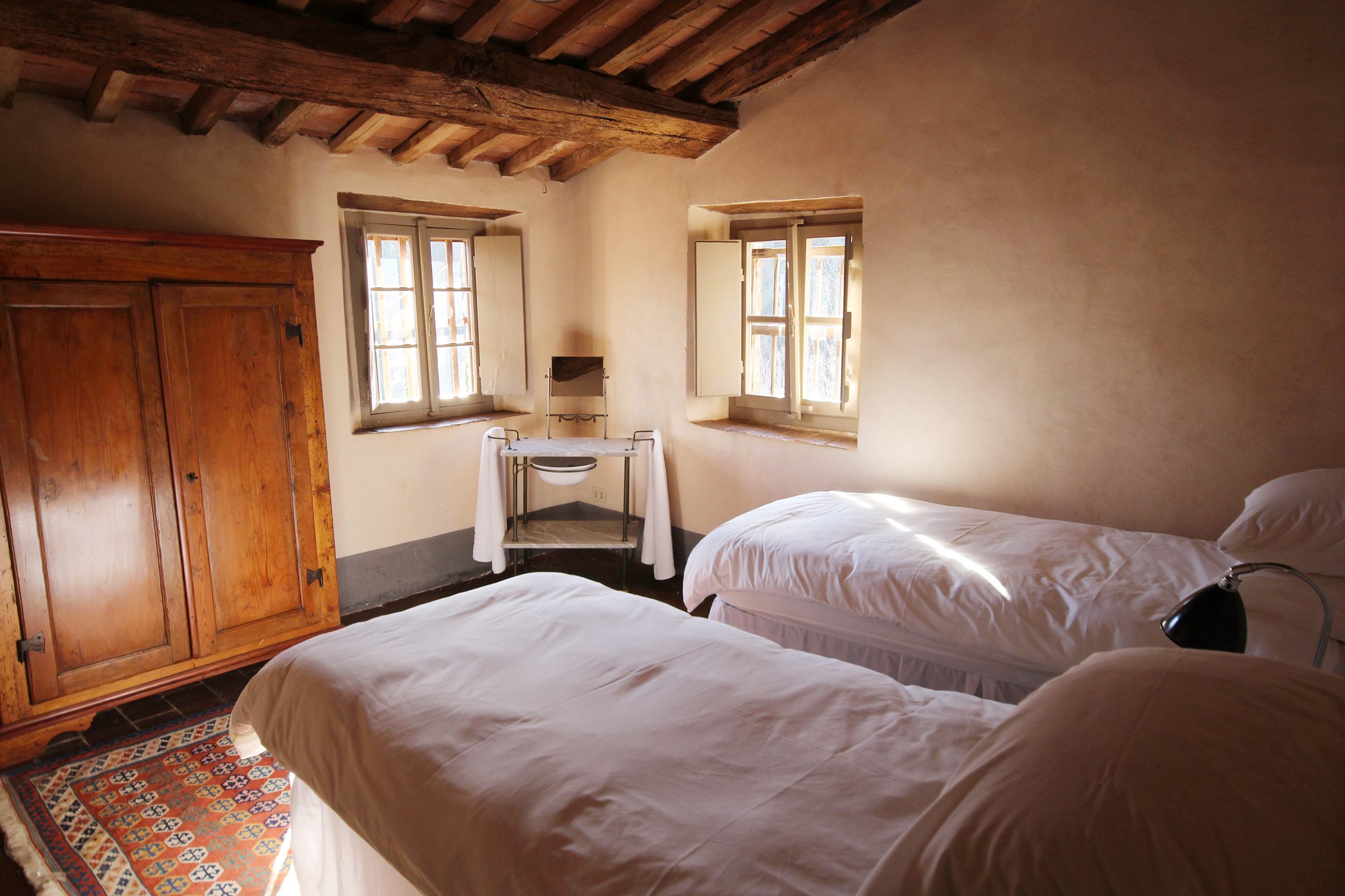 Cottages twin bedroom.jpg