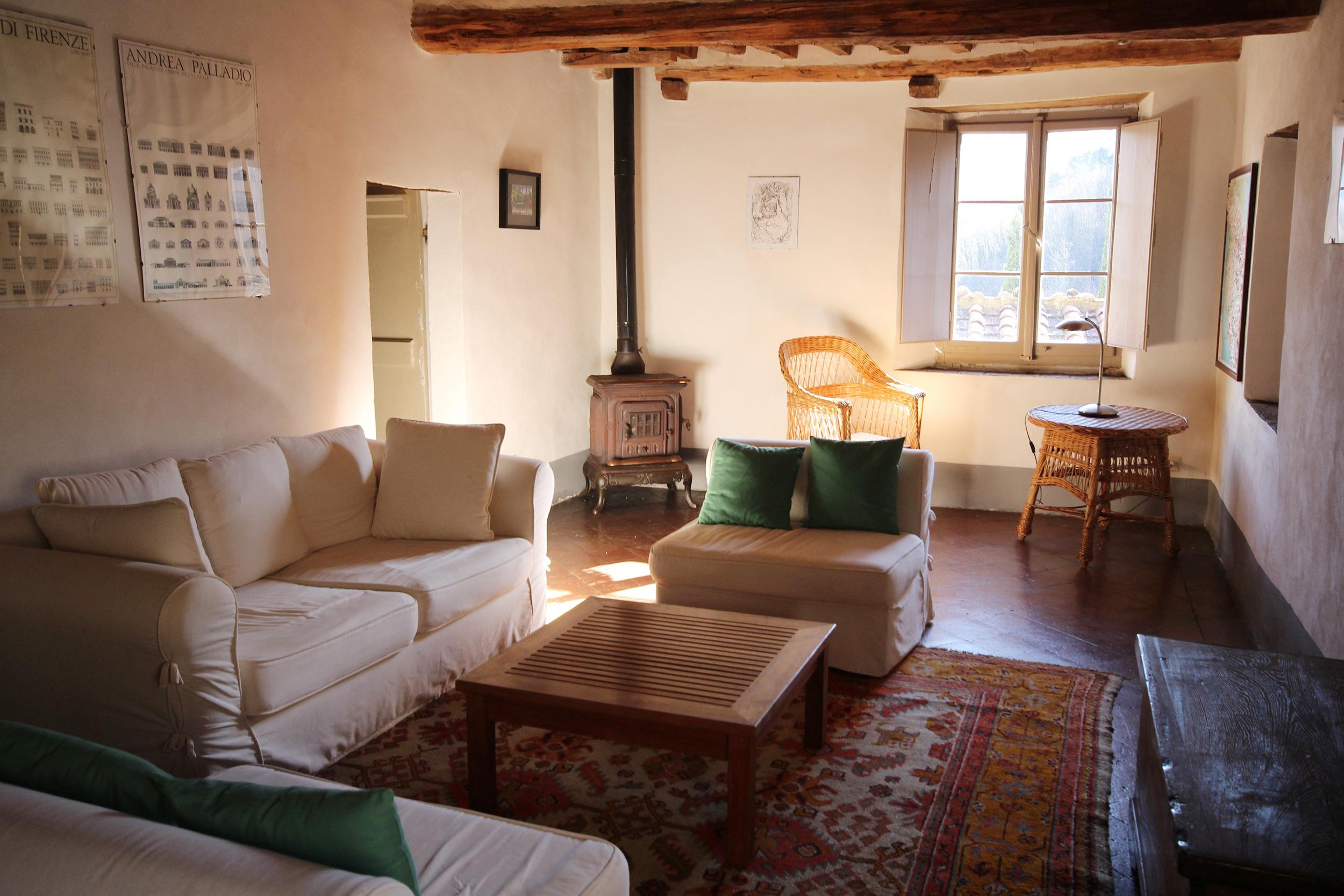 Cottages sitting room.jpg
