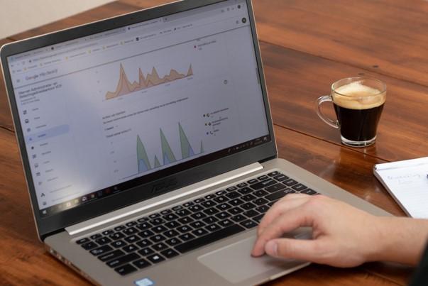 Online vindbaarheid - Advies over de SEO van uw website of hulp bij het perfectioneren hiervan. De online kanalen van uw ondernemingen makkelijker vindbaar maken voor potentiële klanten. Deze dienst kan ook periodiek op de langere termijn worden verleend. Lees meer…