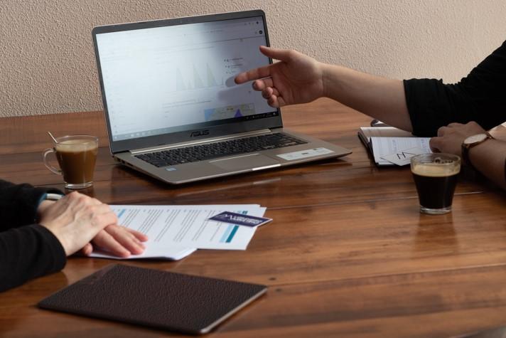 Advies - Marketingadvies op maat. Persoonlijke adviesplannen waarmee u zelf aan de slag kunt. Mogelijk voor alle vormen van marketingcommunicatie van iedere onderneming. Eerst horen wat ik voor u kan betekenen? Vraag dan vrijblijvend een kennismakingsgesprek aan. Lees meer…
