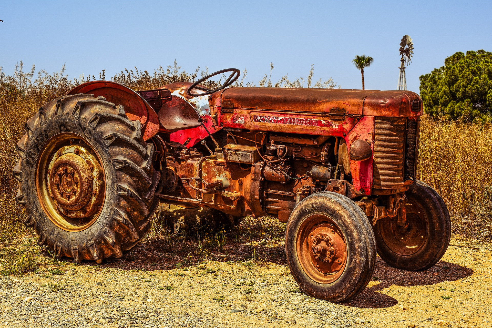 tractor-2271577_1920.jpg