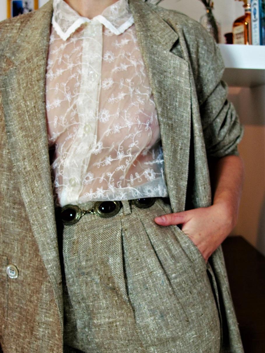 Felicita Vintage . Tailleur Gaston Jaunet . T.36/38 . 190€