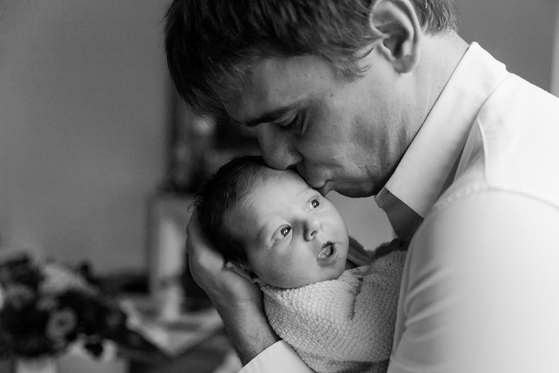 Ines-Aramburo-photographe-paris-nouveau-ne-lifestyle-seance-photo-famille-grossesse-photographer-newborn-maternity-10.jpg