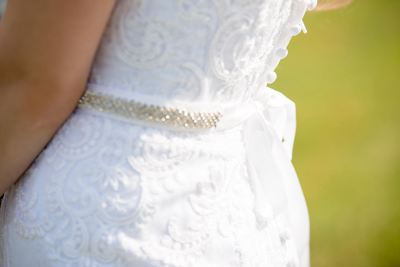 bridal-gown-clean-close-up-1713356.jpg