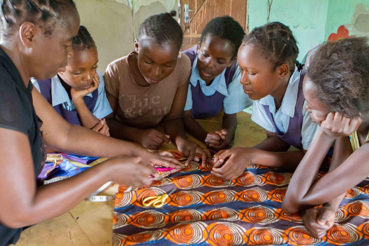 Girls_workshops.JPG
