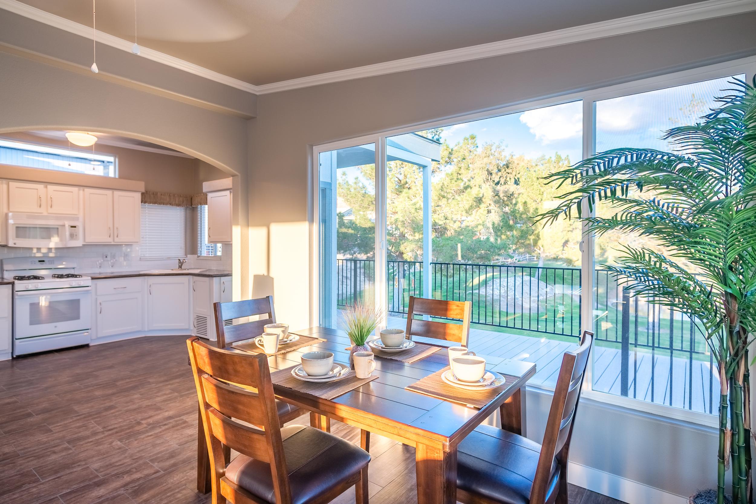 modern-kithen-dining-area-view.jpg