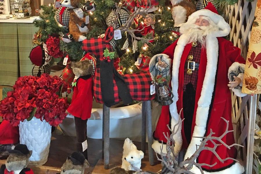 fife n drum gift shop christmas.jpg