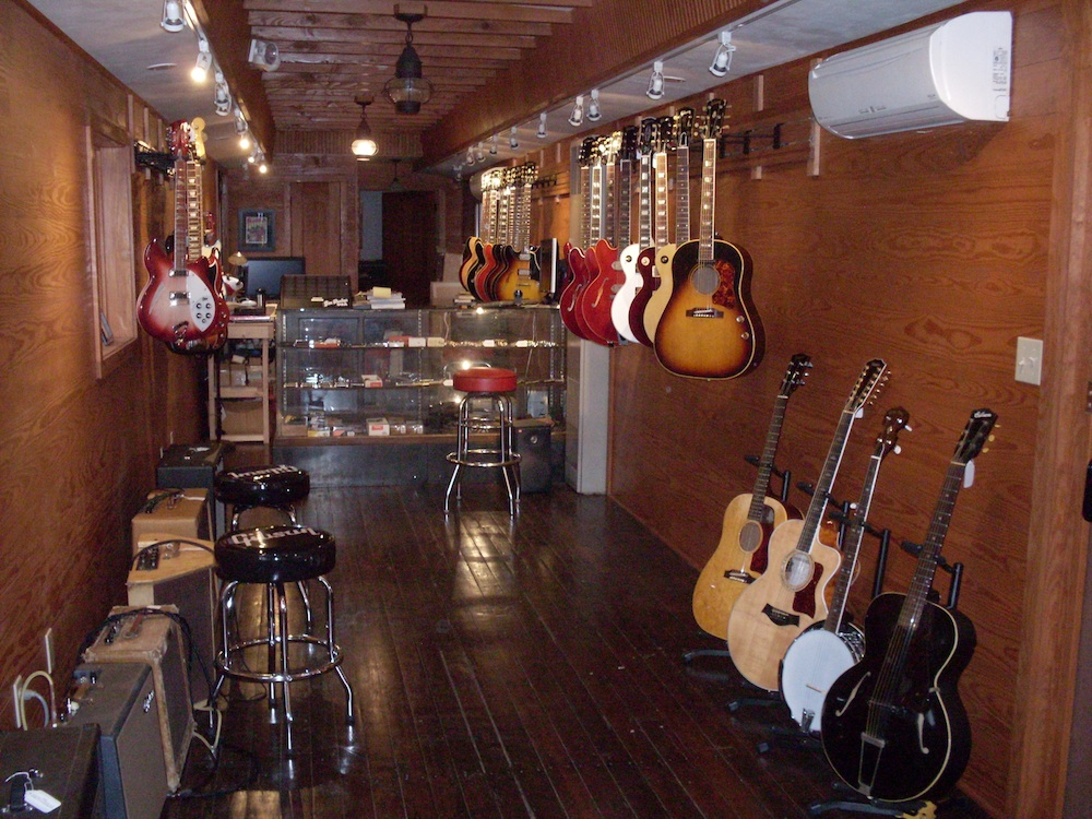 OK guitars interior2.jpg