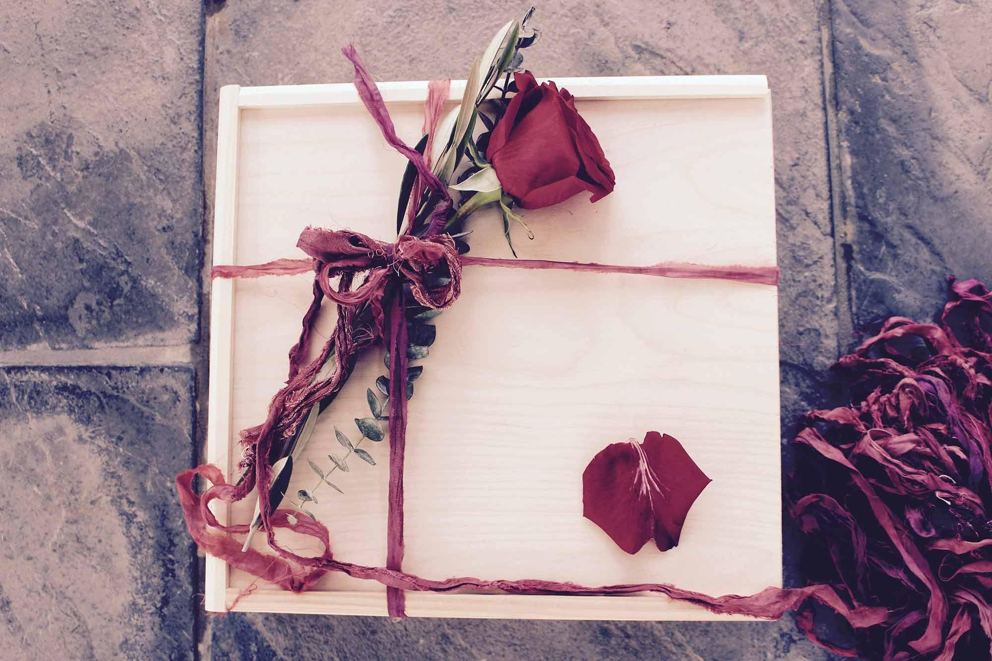 Lovebird_Rose.jpg