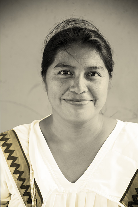 Bonöre is a photography series centered on the work of an indegenous collective of women artisans in Bastimentos, Panama called the Ngäbe. Blaukopf worked with the women in 2017 and subsequently manipulated her images, applying layers of gold to create a multi-textured, evocative view of the women's lives.