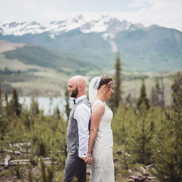 Those last few seconds before you see your husband/wife for the first time! I can't imagine that anticipation!! Thanks for inviting us to be part of your wedding day in Colorado Cam and Anna!! . . . . . .  #loveandwildhearts #gettingmarried #wildloveadventures #radstorytellers #adventuresession #wildhairandhappyhearts #firstandlasts #syracuseweddingphotographer  #syracuseweddings #loveandwildhearts #deepintimatelovers #twosecretvows #wildlyinlove #theknot #dirtybootsandmessyhair #thatsdarling #firstandlasts #anotherwildstory #loveauthentic  #wanderingweddings #weddinginspo #risingtidesociety #authenticlovemag #belovedstories