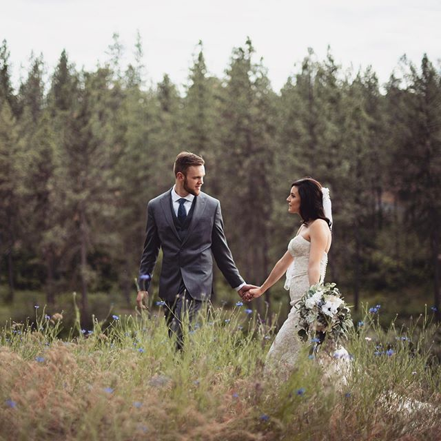 Happy one month to these guys!! So excited to deliver the final gallery from this beautiful day in Spokane, Washington! . . . . . .  #loveandwildhearts #gettingmarried #wildloveadventures #radstorytellers #adventuresession #wildhairandhappyhearts #firstandlasts #syracuseweddingphotographer  #syracuseweddings #loveandwildhearts #deepintimatelovers #twosecretvows #wildlyinlove #theknot #dirtybootsandmessyhair #thatsdarling #firstandlasts #anotherwildstory #loveauthentic  #wanderingweddings #weddinginspo #risingtidesociety #authenticlovemag #belovedstories