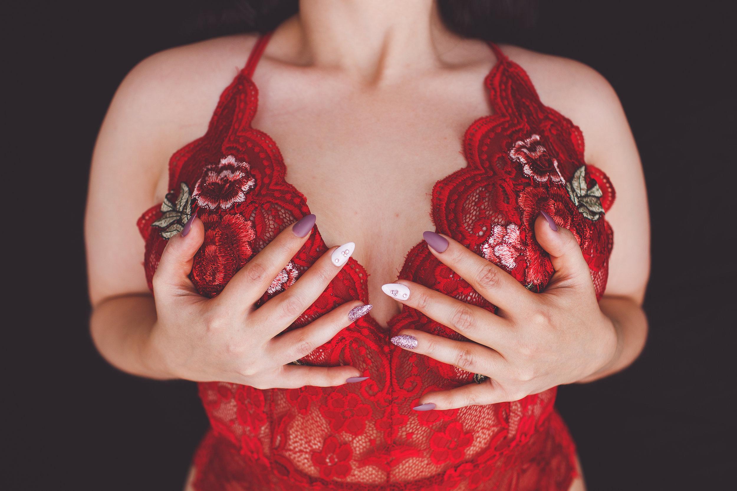 Columbus-Ohio-Boudoir-Photos-Ohio-intimate-womxn-portrait-photographer-grabbing-boobs-chest-collar-bones-fingernails-red-floral-bodysuit-marcyharrisortiz.jpg