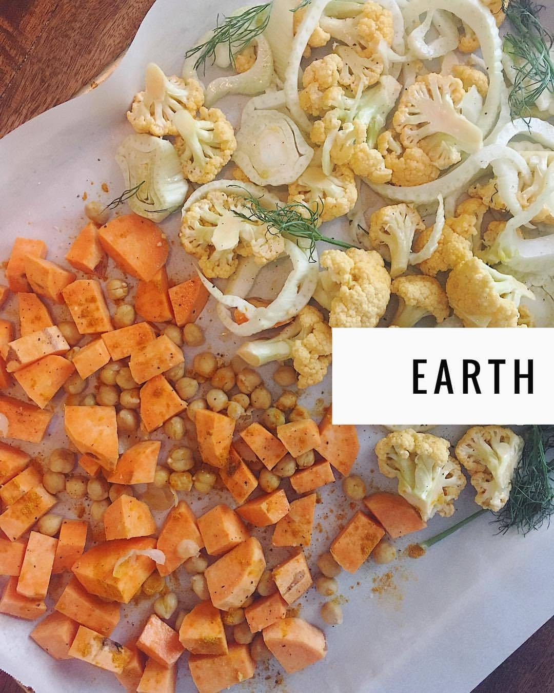 I've been in awe of 5 Element food therapy & Chinese medicine food dietetics for over 10 years. 5 Elements (often called 5 Phases) are EARTH / METAL / WATER / WOOD / FIRE. The Qi of the earth element flourishes in Indian Summer, those golden moments of fullness before the waning of the light. The earth color is yellow, like the sun, the ripened crops, and the root vegetables. Bringing in some much needed grounding energy from the Earth element by making a hash tonight with these golden veggies that will mix with a grass-fed ground beef and kale scramble. ☀️🌻🌾🥕.   .  .  .  #nourishyourself #healingarts #foodismedicine #foodtherapy #chinesemedicine #wholefoods #holisticnutrition #5elements #tcm #earthday #earthelement #onthetable #liveauthentic #huffposttaste #eatingwell #medicinekitchen #healthyeating #naturalhealth #forkyeah #wellness #bewell #orientalmedicine #goldenhour #suppertime