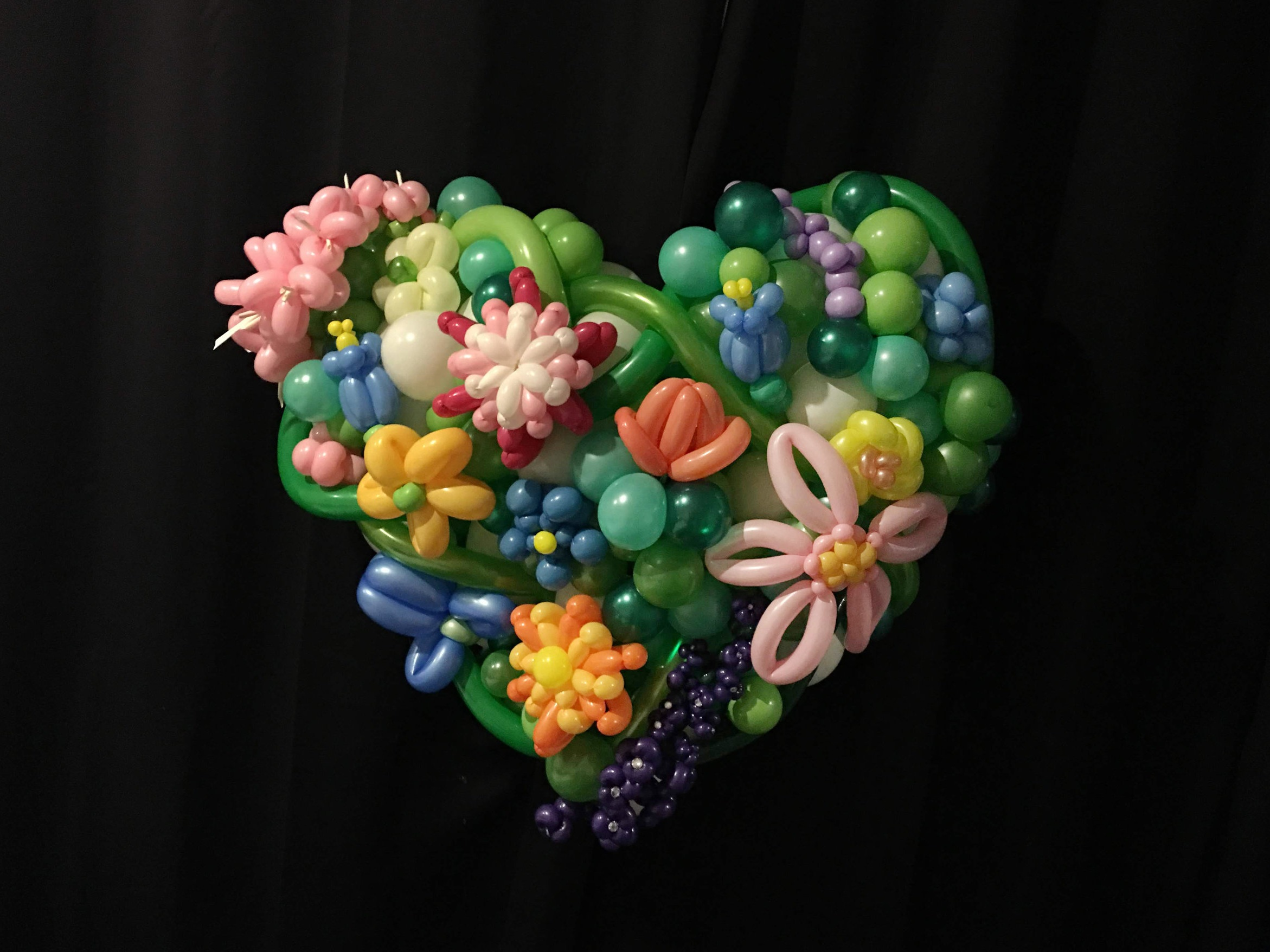 Balloon flower heart mount
