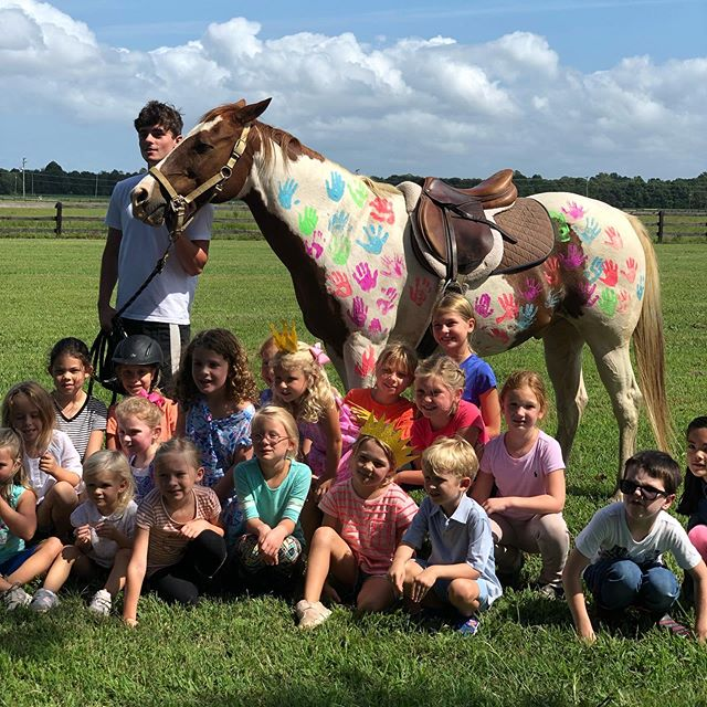 These little ones had a great day at Pearson & Sloan's birthday party! Happy Birthday girls! 🐴 🌸