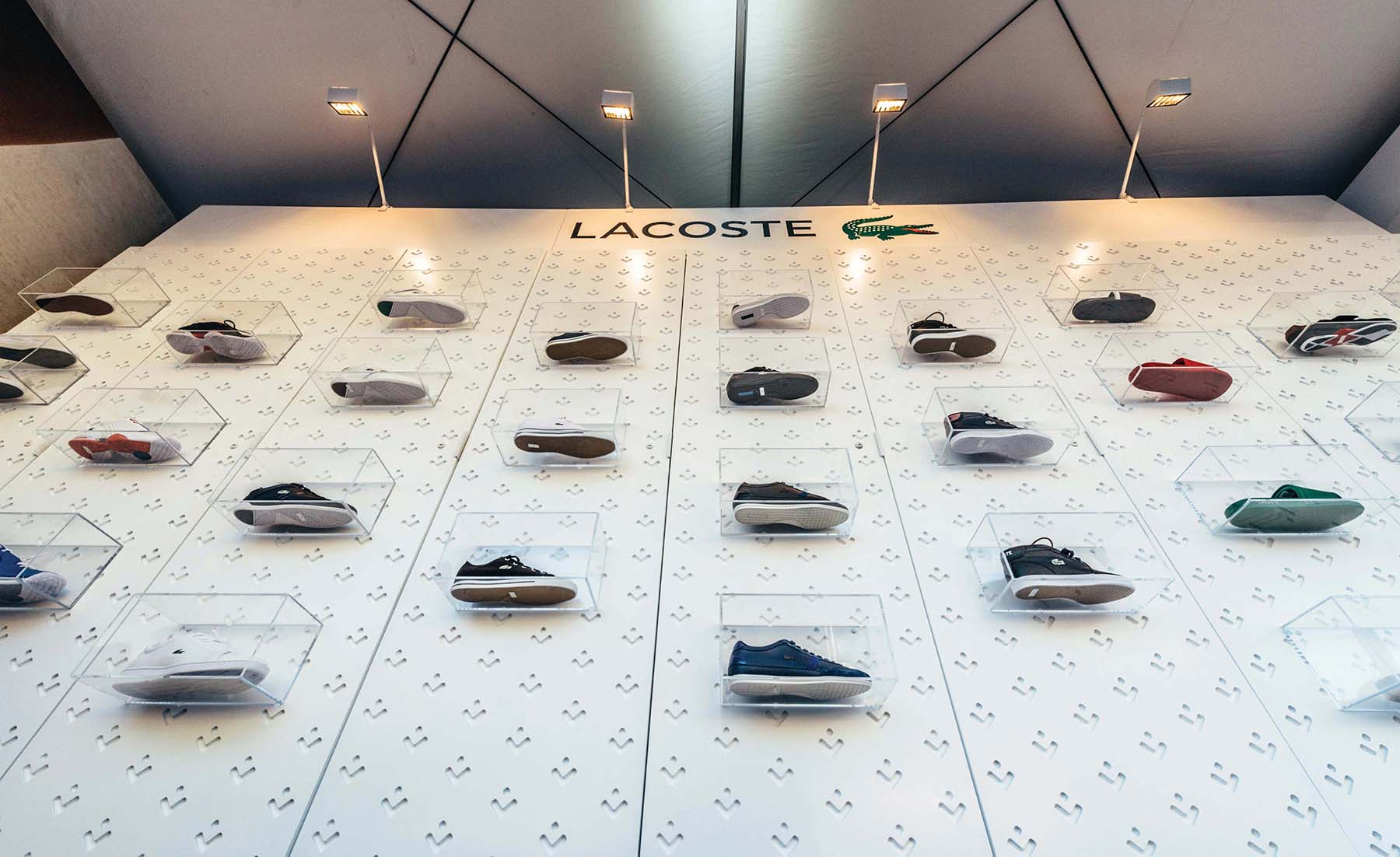 LACOSTE DISPLAY