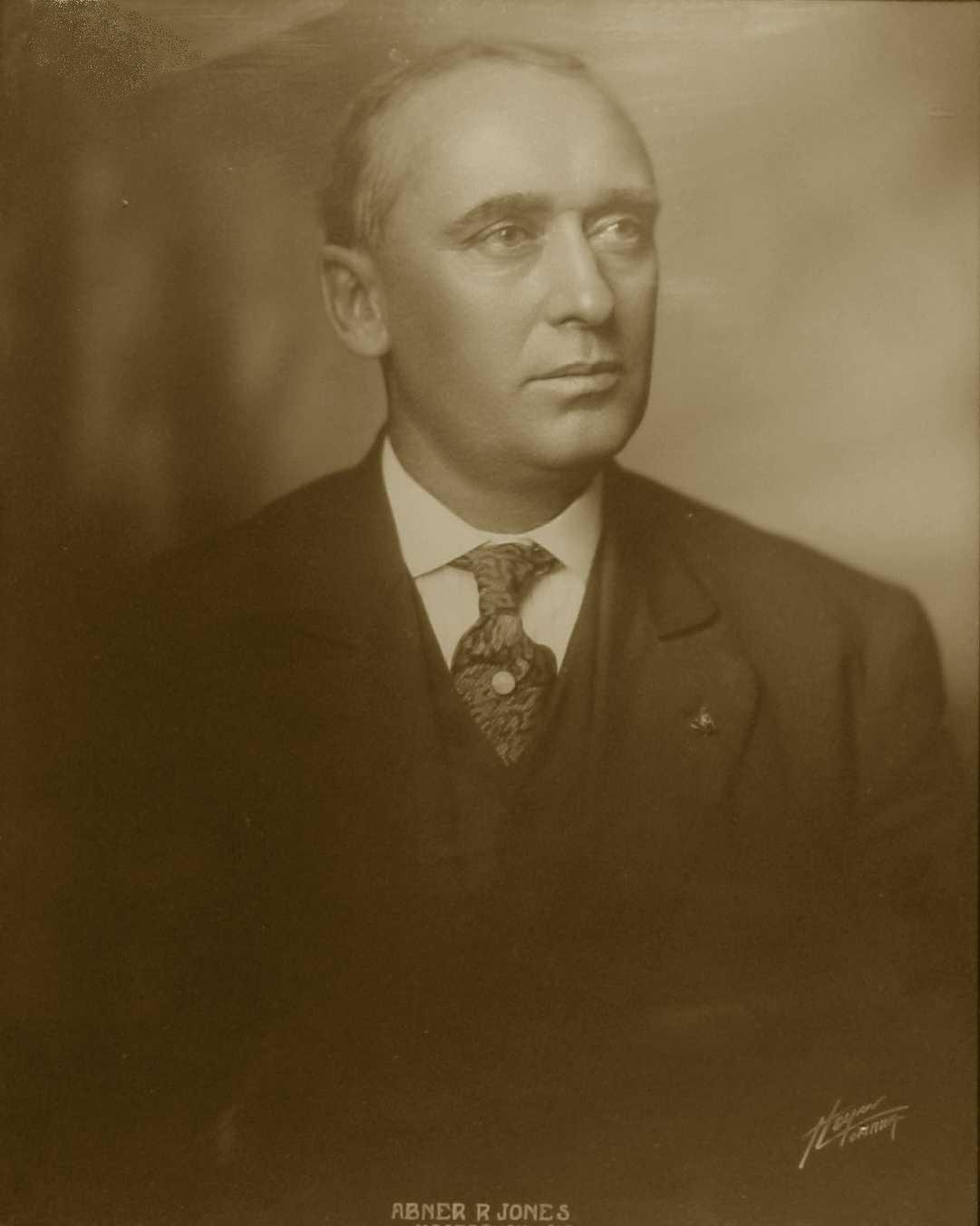 Abner R. Jones, 1914-1915