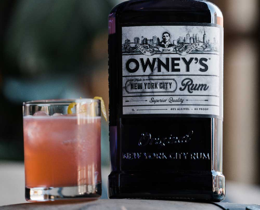 The Hustler       1  oz. Owney's Rum   .25  oz. Aperol   .5  oz. Fresh Lemon Juice   .5  oz. Raspberry Syrup     *Shake & strain, top with approximately 1 oz. sparkling wine, served over ice *